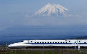 ケガや病気の方を新幹線で搬送する